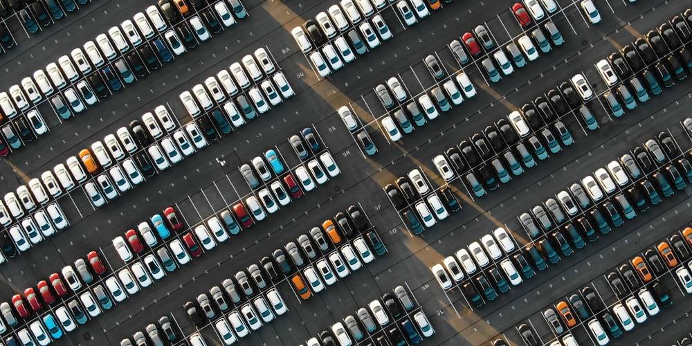 Aktien zu EM-Automobilindustrie