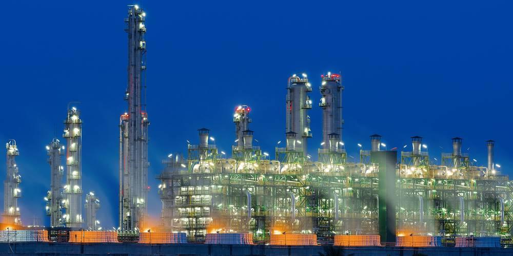 Aktien zu Erdöl-Raffinerie